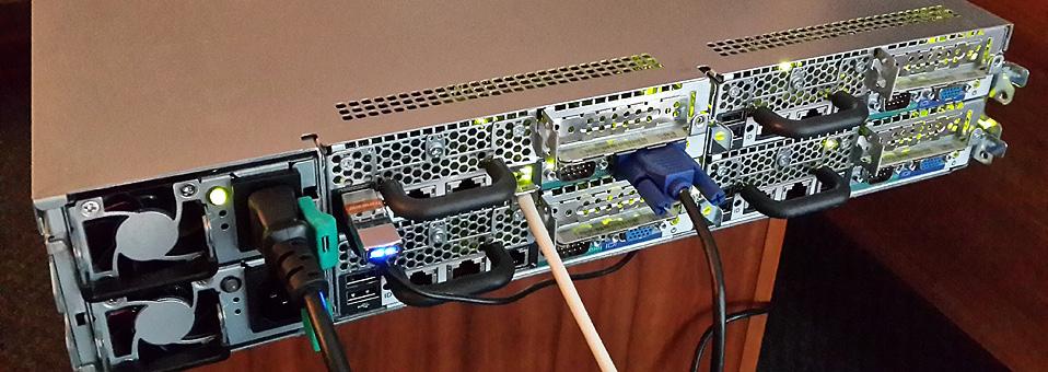 Сервер Dell Poweredge c6100 вид сзади