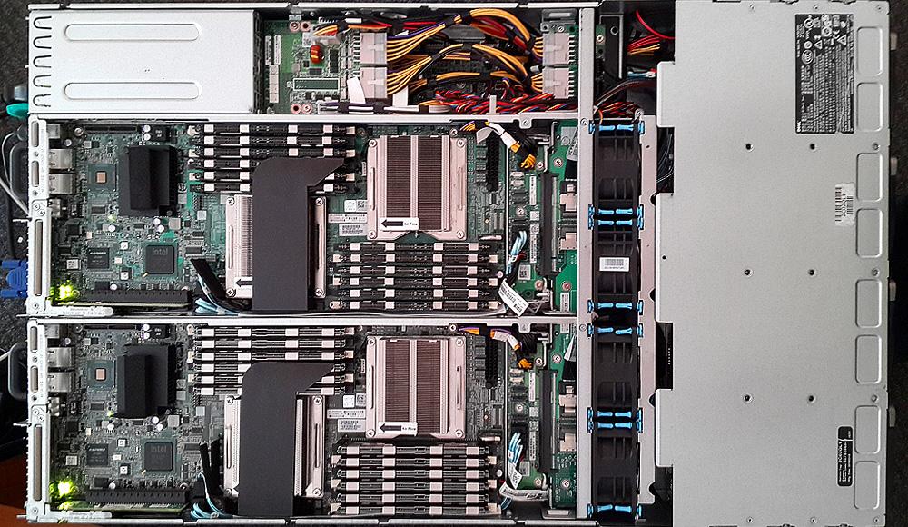 Сервер Dell Poweredge c6100 вид сверху